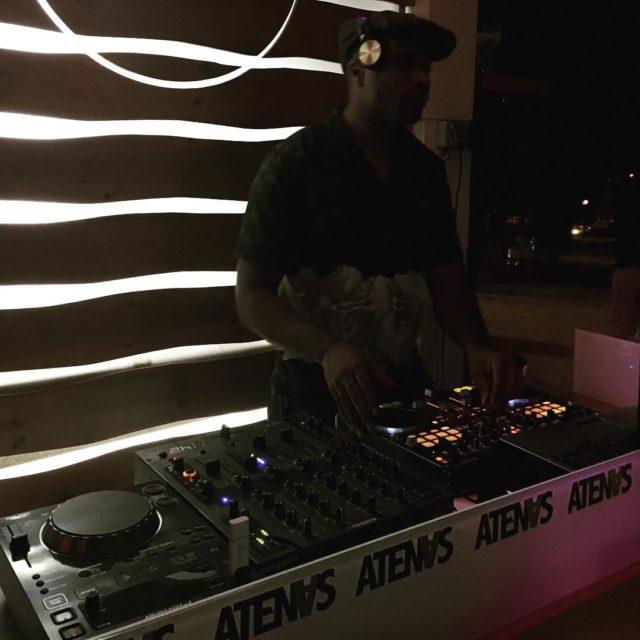 Frankinter in action!! summer night livemusic nofalla madrid terrazaatenas terrazashellip